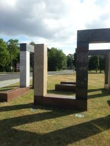 Denkmal vor der Kaserne