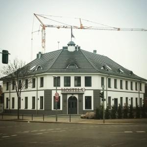 Hostelo: Ecke Behmstraße/ Jülicher Straße
