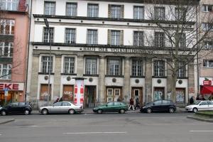 Das ehemalige Haus der Volksbildung in der Badstraße. Der Jugendclub ist jetzt im Erdgeschoss.