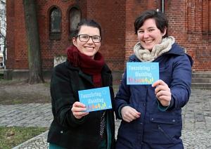 Christina (li.) und Heike haben einen Tauschring für den Wedding ins Leben gerufen. Foto: Hensel
