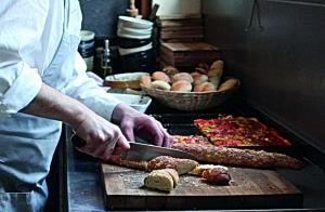 Der türkische Koch bei der Arbeit.