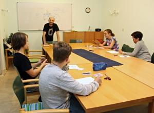 Comic zeichnen lernen bei der Wissensbörse. Foto: Hensel