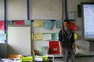 Lehrer Christoph Trautvetter unterrichtet Naturwissenschaften an der Quinoa-Schule. Foto: Andrei Schnell.